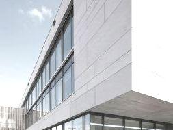 Вентилируемый фасад из керамогранита от компании Эверест